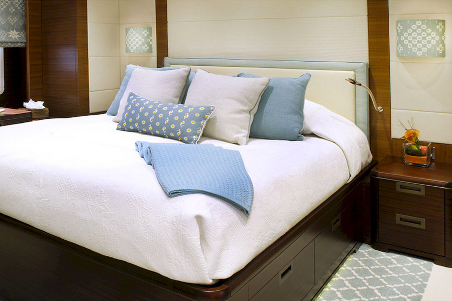 Bedroom on the Motor Yacht Lady Britt POD Interior Style
